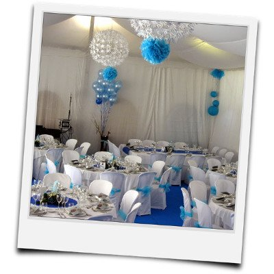 Carpa para boda decorada en azul